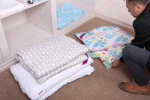 vacuum sealing blankets and pillows