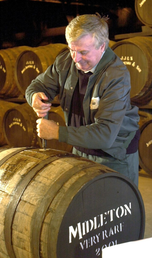 Midleton Whisley, 2001 Midleton Very Rare Billy Lee Master Copper Uncorks  a Cask of the new Whisley Picture: Gerard McCarthy  (digi)