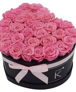 Flowerbox in heart shape with pink roses