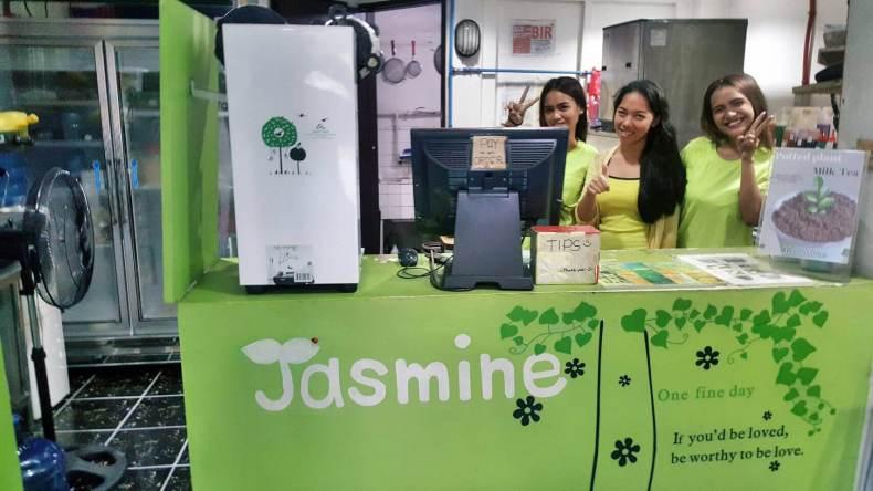 Jasmine 賣珍珠奶茶 , 宿霧