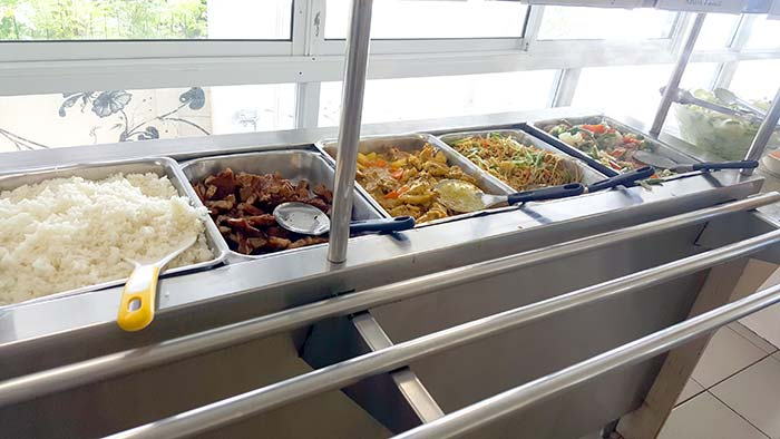 CELI校內環境, 學生餐廳, 飲食狀況, 伙食好壞