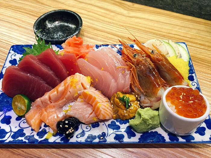 京匠鰻川生魚片, 生魚丼, 豪華海鮮丼