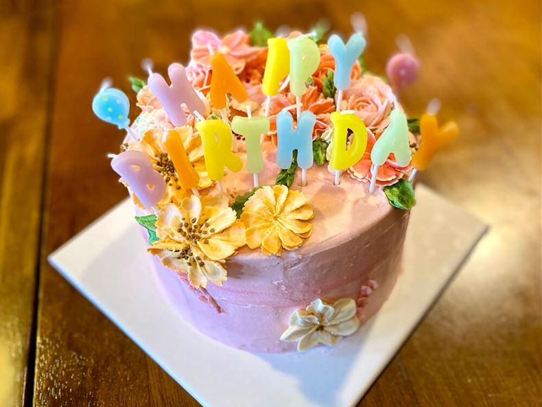 擠花蛋糕,客製花花瓣奶油蛋糕
