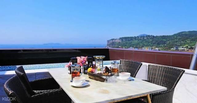 Bayhill Pool & Villa Narnia Restaurant