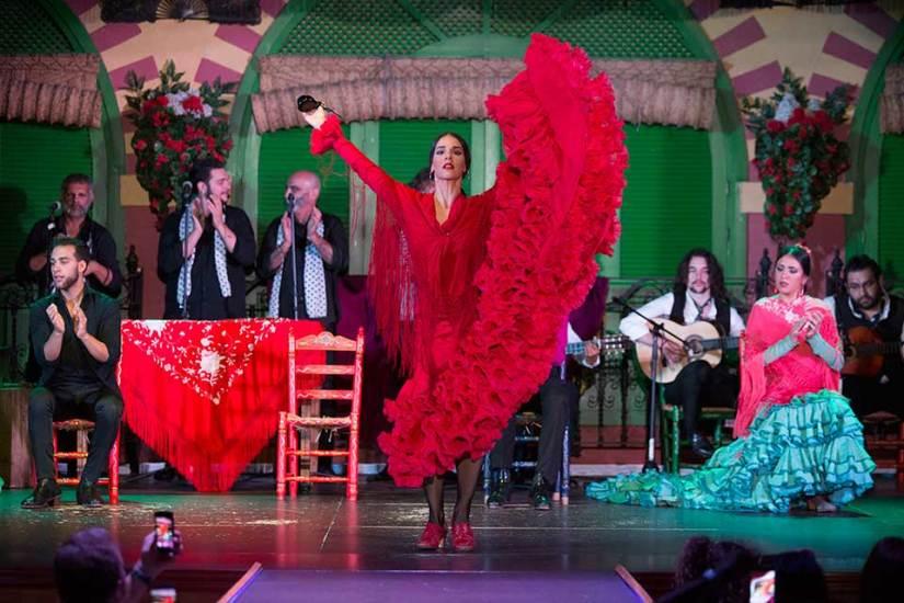 A lady dancer perform flamenco at El Palacio Andaluz