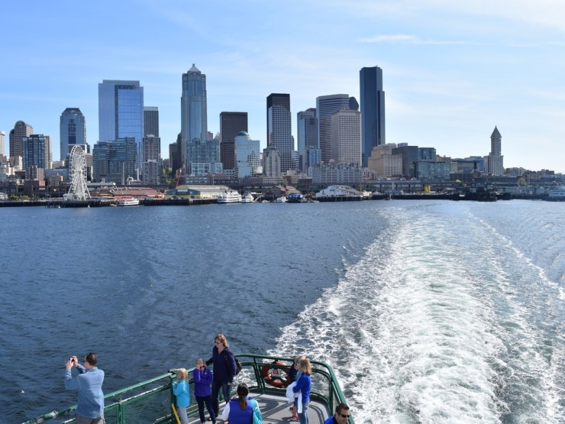 people are staying a cruise through Elliott Bay