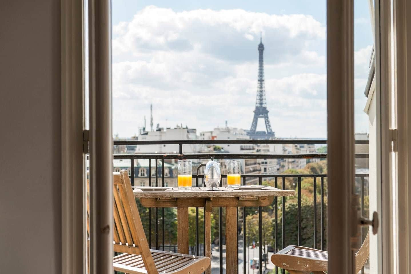 hotels balcony in paris