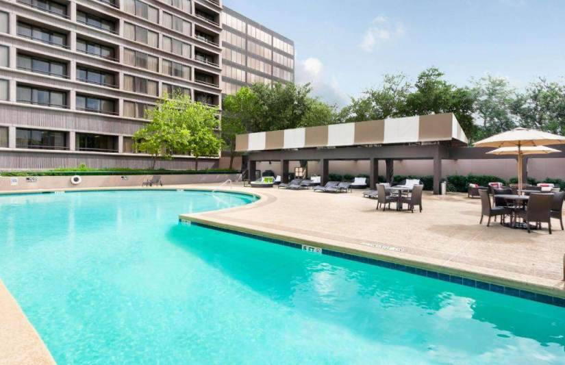 kid friendly hotels in houston