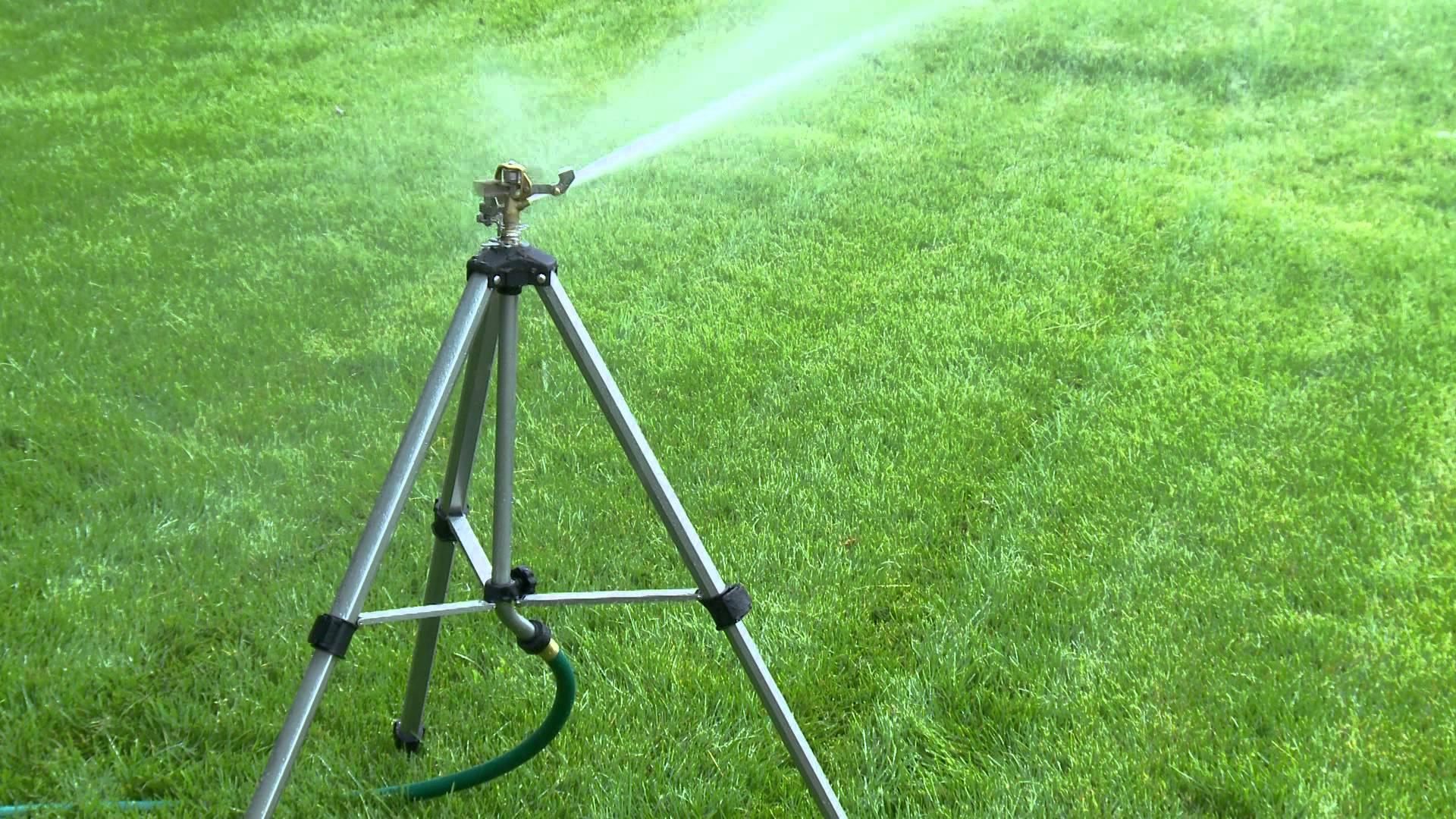 Best Tripod Lawn Sprinklers grass