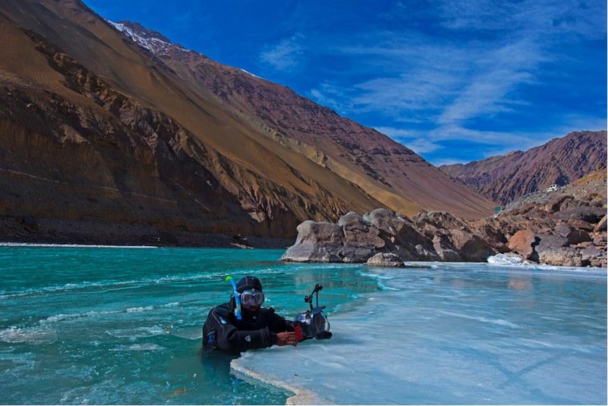 Dhritiman in the frozen zanskar river near chilling_1