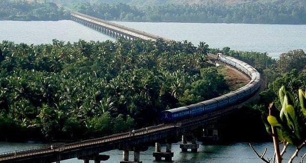 Konkan Railway (Ratnagiri-Madgaon-Honnavar-Mangalore)