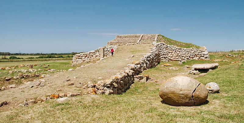 MONTE D'ACCODDI: 4000 BC: Oldest Buildings In The World