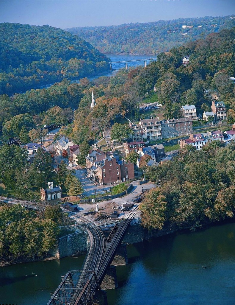 West Virginia (24,230 sq. miles): Smallest States In USA