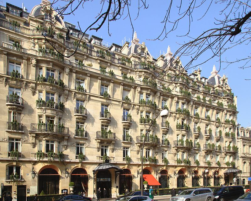 Have a romantic dine out Hotel Plaza Athenee