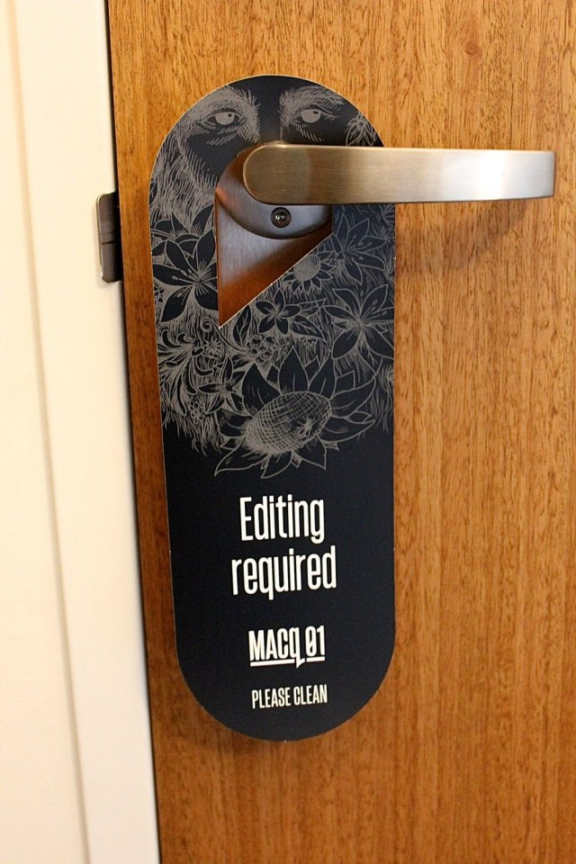 MACq 01 hotel room door sign