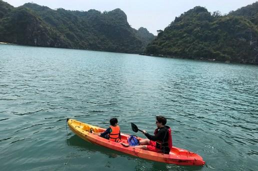kayaking_beach2