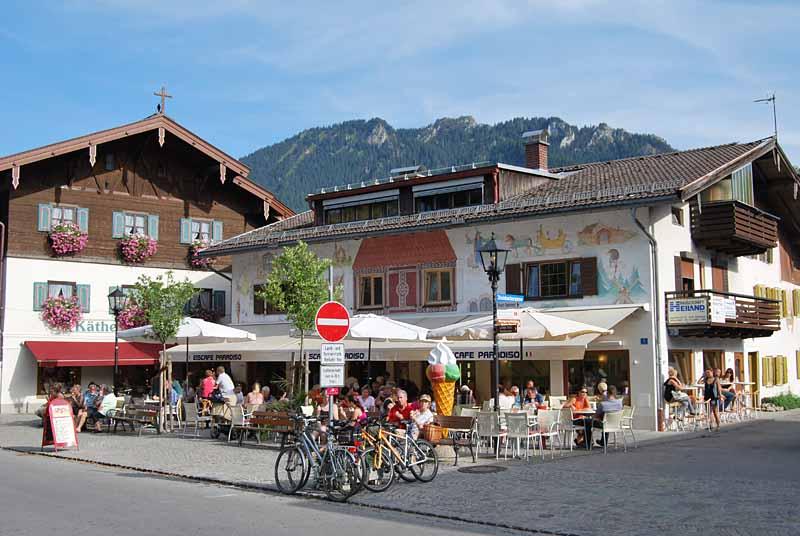 aussenansicht-sommer-01-eiscafe-paradiso-oberammergau-b800px