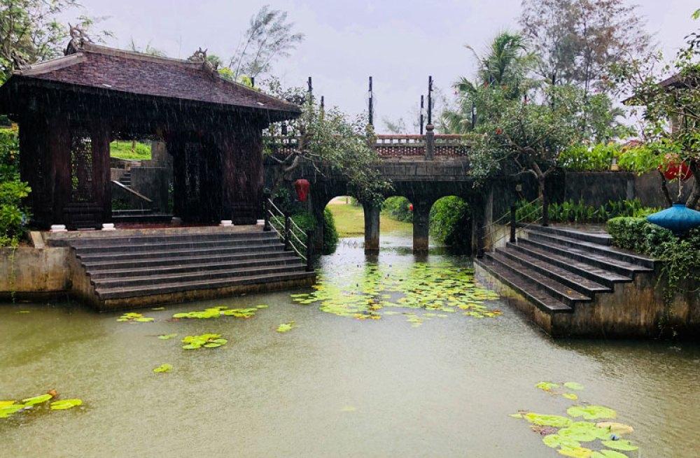 The Angsana's canal ride