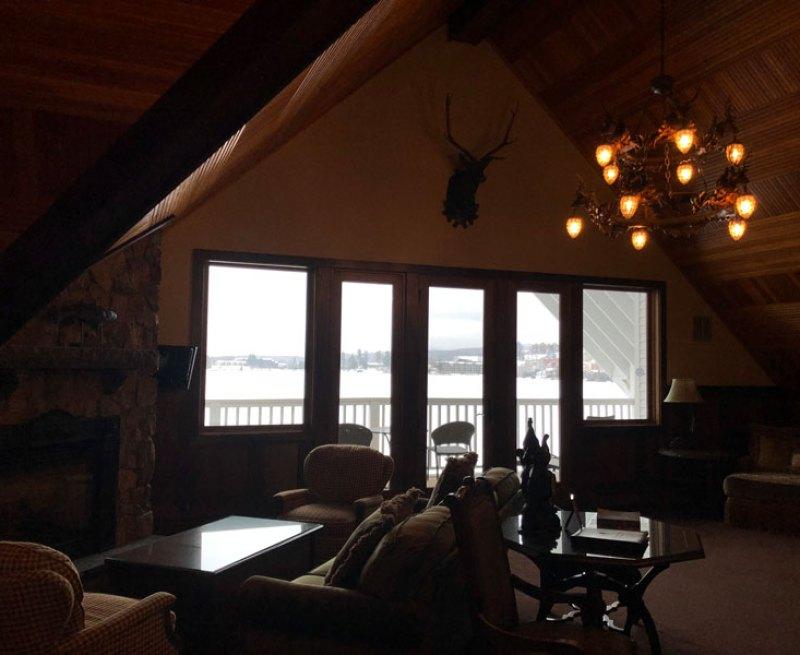 Mirror Lake Inn's decor