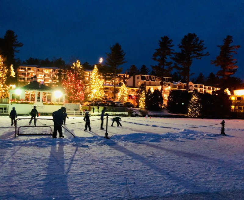 Ice hockey outside of Mirror Lake Inn