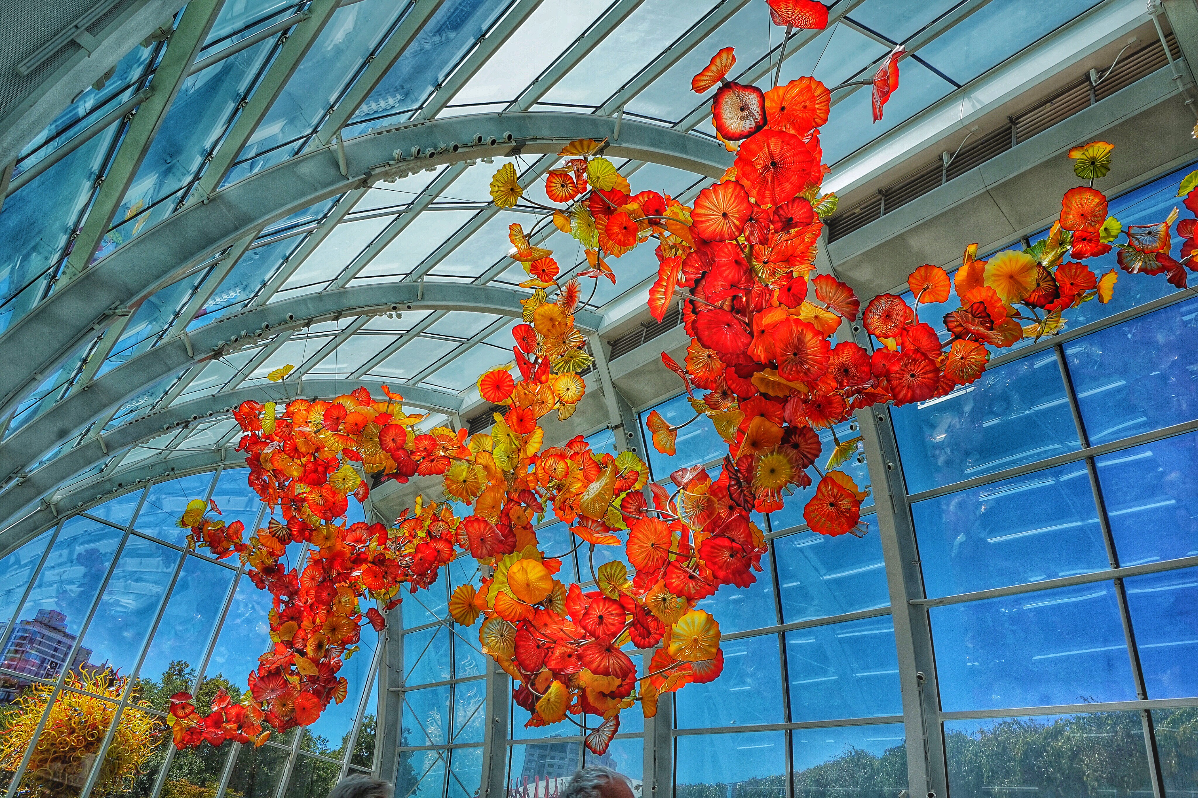 Seattle center chihuly garden glass exhibit trippintwins for Chihuly garden and glass hours