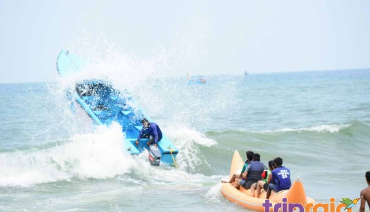 thrilling-banana-boat-ride-in-Goa