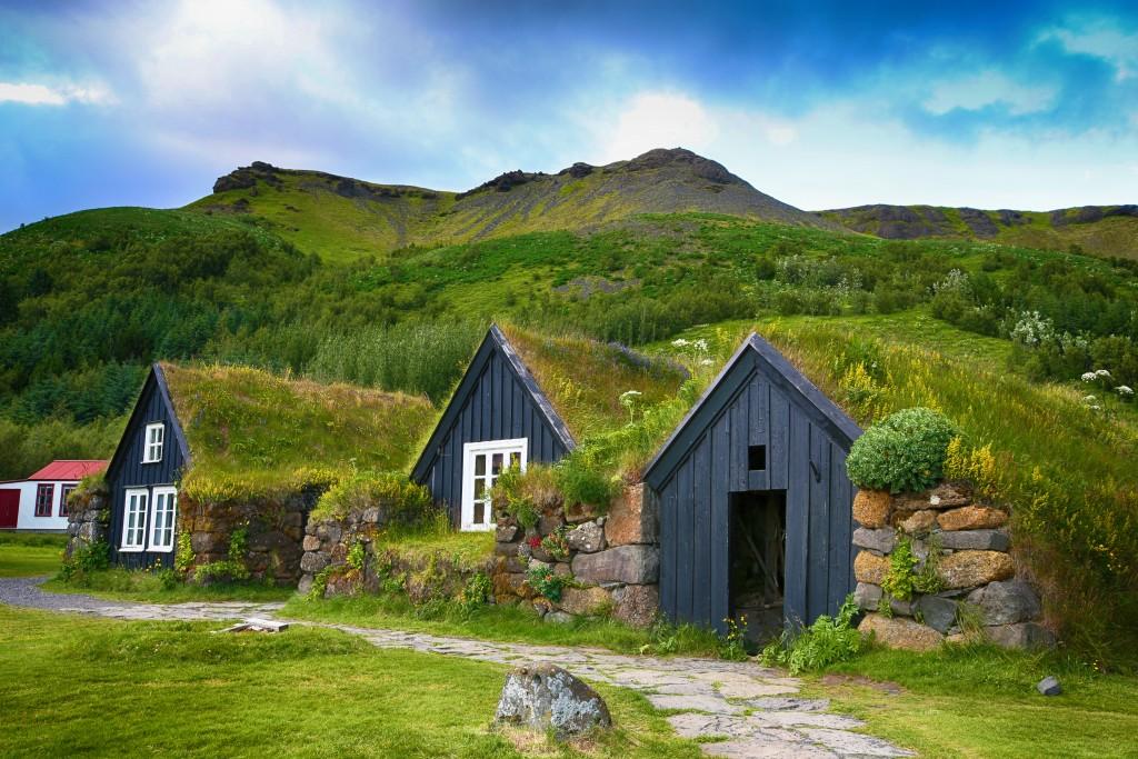 بيوت العشب الأيسلندية القديمة