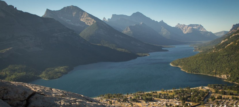 Tip & Tee: Nifty Neighbors in Waterton