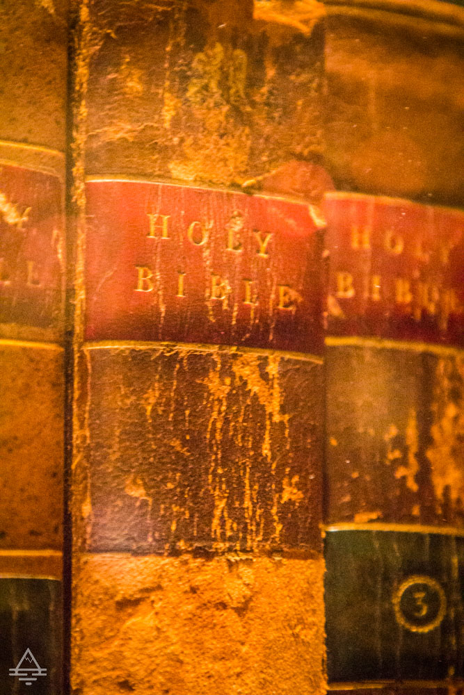 Spine of a Bible from Thomas Jefferson's Library