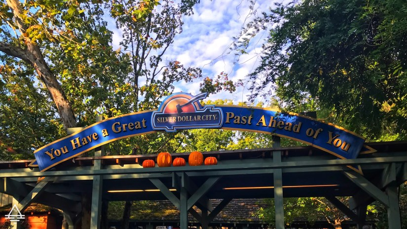 Silver Dollar City Welcome Signage