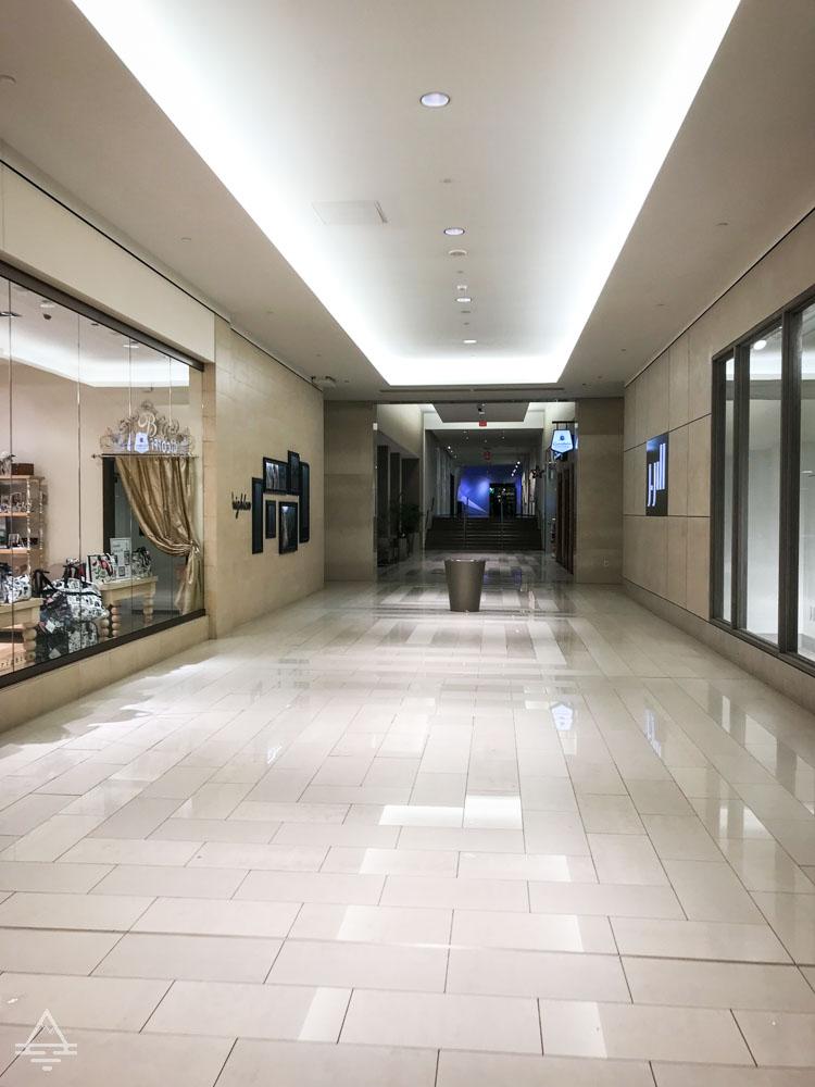 Hallway to Radisson Blu from Mall of America