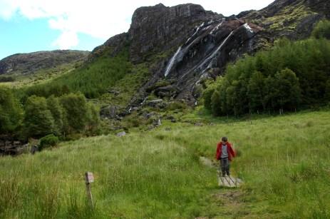 D hiking at falls
