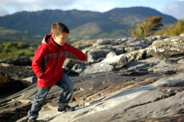 D walking on the rocks, Trafrask