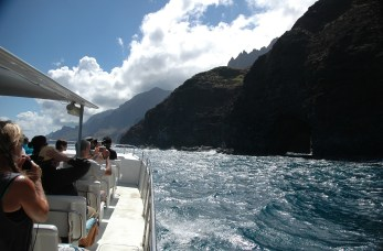 Our Na Pali boat