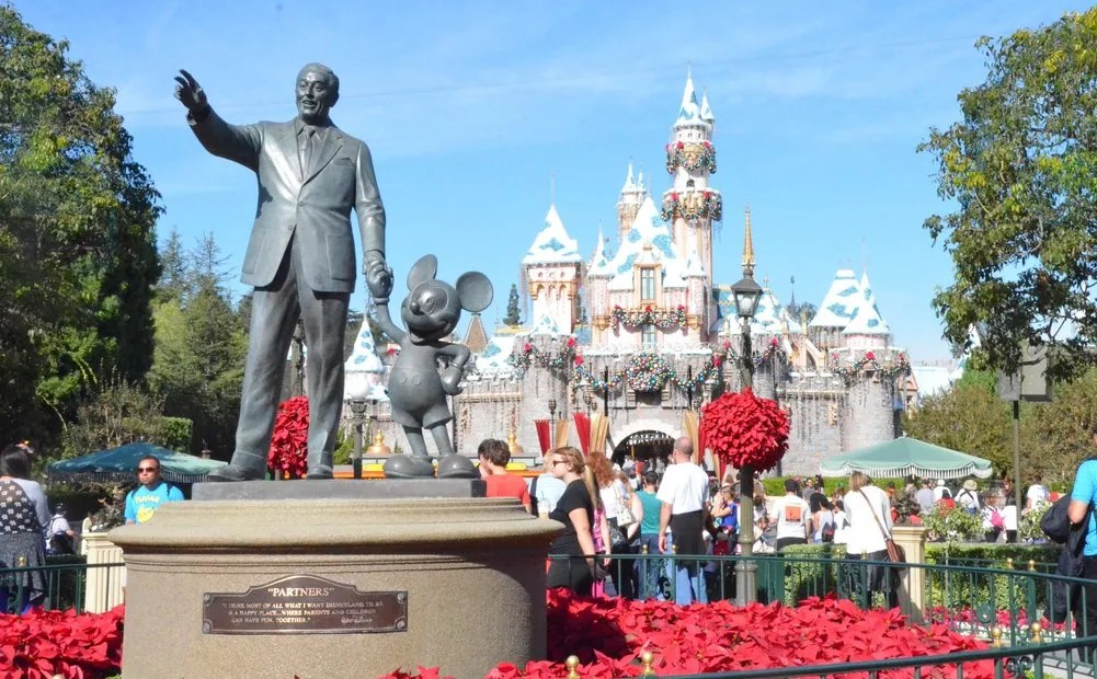Complete Guide to Holidays at Disneyland 2018