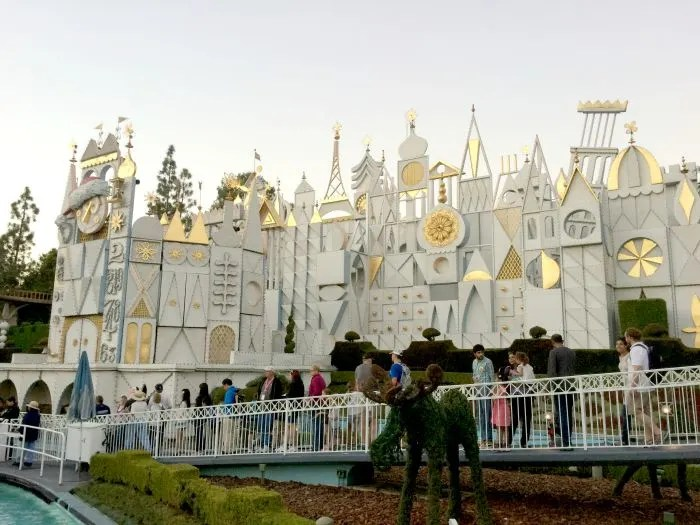 Disneyland vs. Disney World Small World
