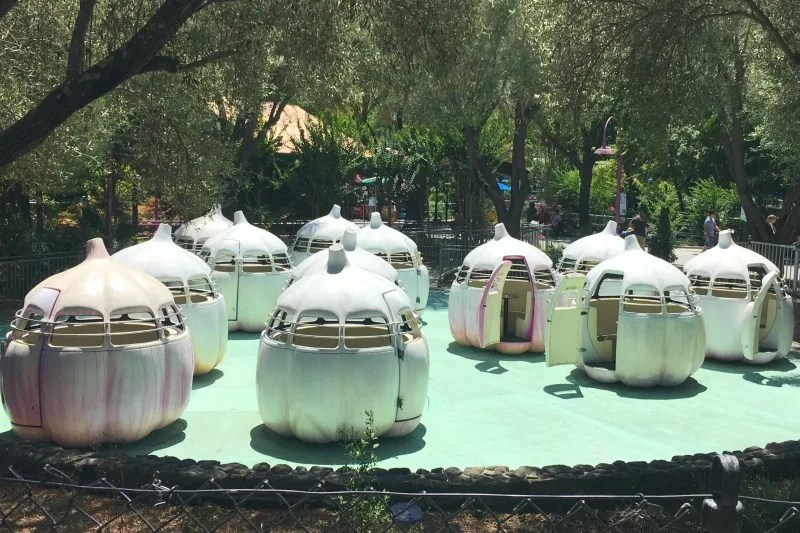 Gilroy Gardens Review - Garlic Twirl Ride