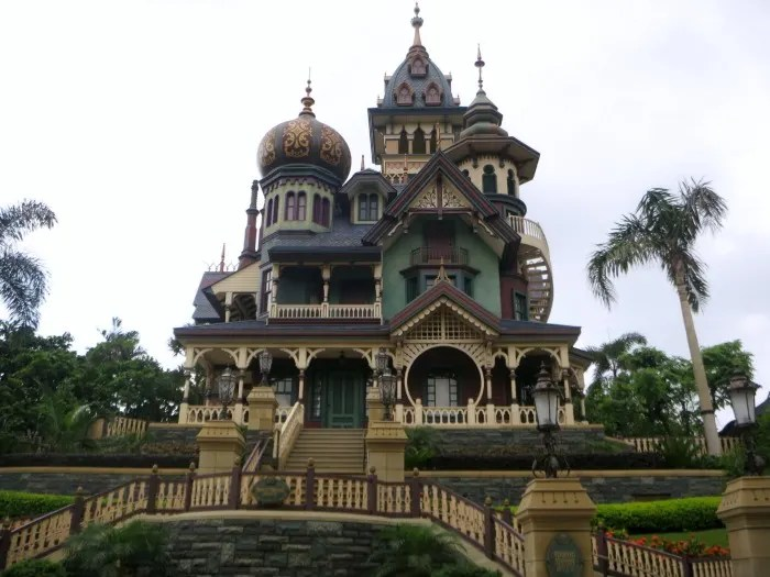 Top Attractions at Hong Kong Disneyland - Mystic Manor