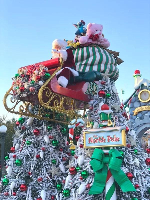 Disneyland Holidays - Christmas Fantasy Parade Santa