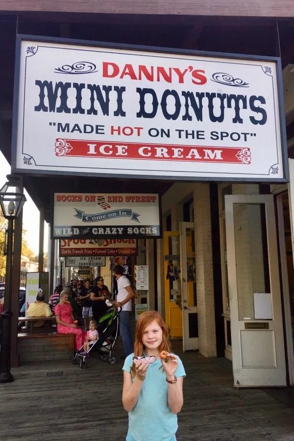 Old Sacramento Restaurants - Dannys Mini Donuts