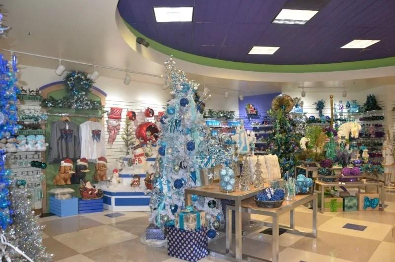WinterFest at Great America - Frostys Shop