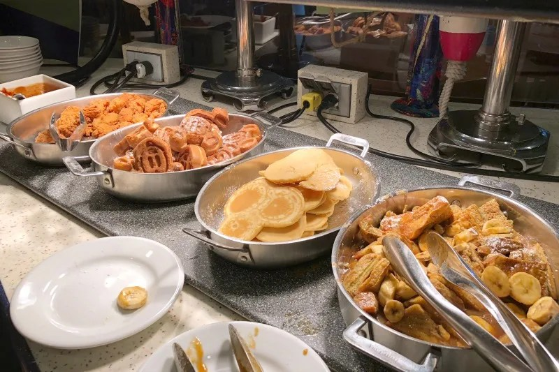 Disneyland Character Meals - PCH Grill Breakfast Buffet