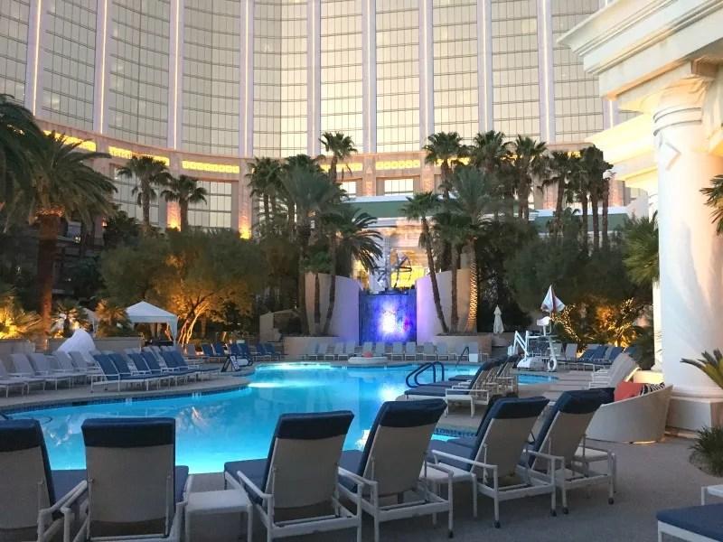 Kid-Friendly Hotels in Las Vegas - Four Seasons Pool