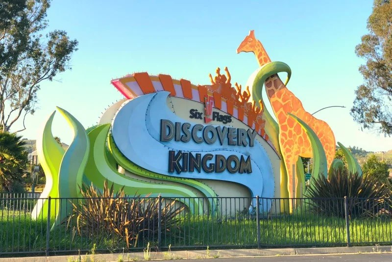 Six Flags Discovery Kingdom - Sign