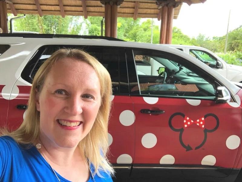 Disney Minnie Vans - Minnie Logo