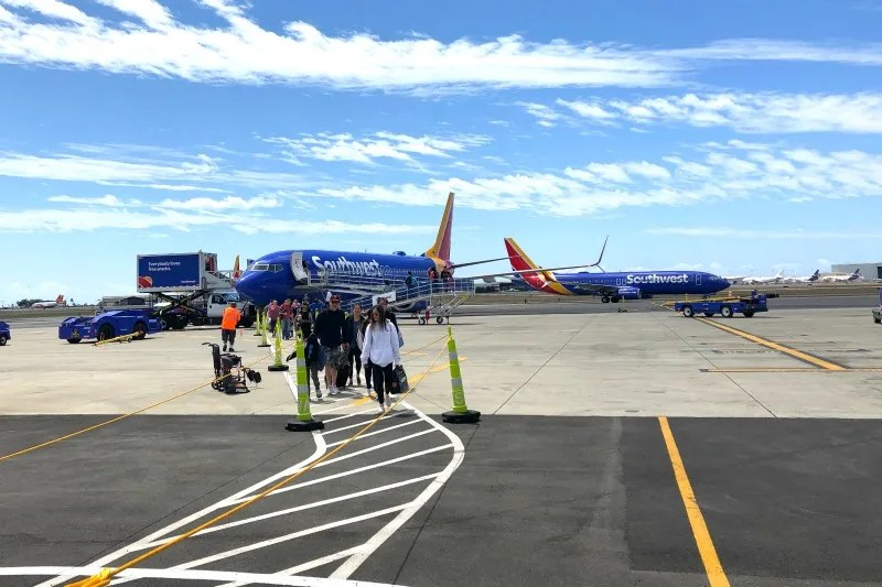 Southwest Hawaii Flight Review - Deplaning in HNL
