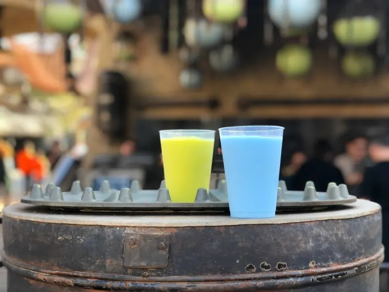 Star Wars Galaxys Edge Disneyland - Blue Green Milk