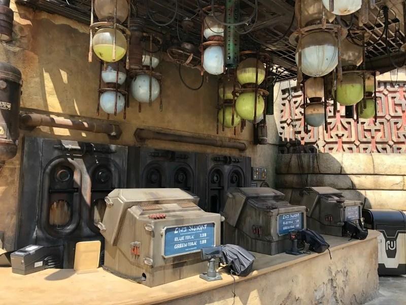 Star Wars Galaxys Edge Disneyland - Milk Stand