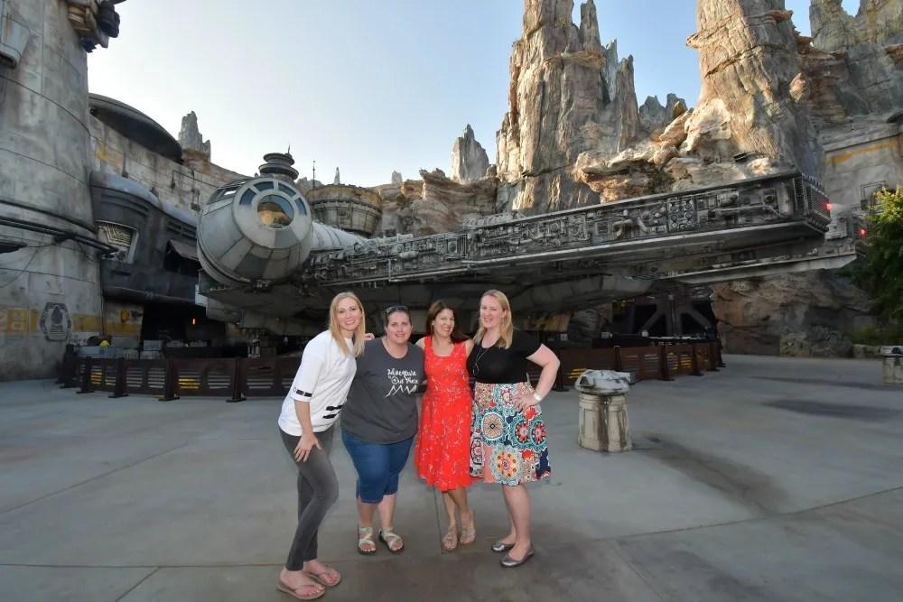 Star Wars Galaxys Edge Tips Disneyland - Photopass Disneyland with Kids Admins