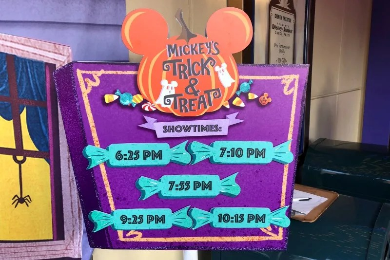 Oogie Boogie Bash Disneyland - Mickeys Trick and Treat Show Times